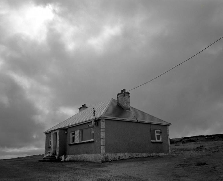 The Big Sky Pump's House, Archival Silver Gelatin print, edition 20, 40X50 cm, 2012